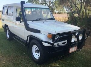 1990 Toyota Landcruiser HZJ75RV Troopcarrier White 5 Speed Manual Hardtop Hidden Valley Darwin City Preview