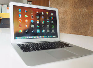 Macbook Air 13 i7 8GB 500GB word powerpoint photoshop etc....