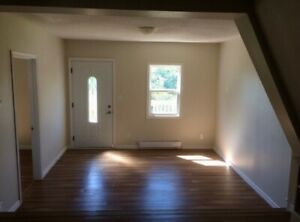 Bright Spacious 3 Bdrm Avail May 1