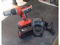 **BLACK AND DECKER DRILL SET**2 BATTERIES**CORDLESS**WORKING FINE**BATTERIES FULLY WORKING**