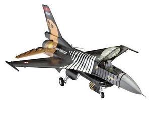 Revell Lockheed Martin F-16 C Solo Türk 1:72 Revell 04844  X