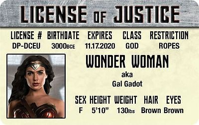 Gal Gadot of The JUSTICE LEAGUE of AMERICA Wonder Woman Drivers License fake id (Justice League Of America Kostüme)