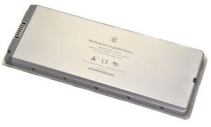 """Genuine Apple Battery for Macbook 13"""" A1181 A1185 MA561 MA566"""