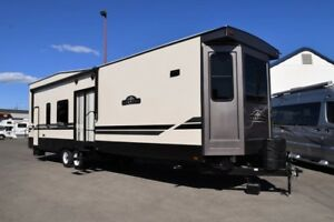 2018 Hampton - Destination Trailers 371FKL