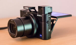 Sony RX 100 V1  pointe and shoot  pro.