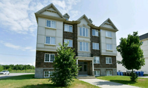 Vaudreuil condo for rent- *** 3month lease .cannot renew****