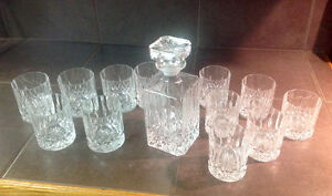 whisky decanter and 12 matching glasses