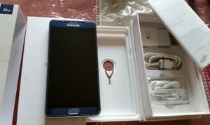 SAMSUNG NOTE 5 GREY 32 GB UNLOCKED WITH BOX AND ASSESSORIES.