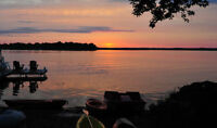 Lakefront Cottage - Fish, swim, sleep commute to Ottawa