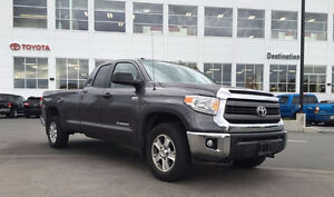 2014 Toyota Tundra 4wd Local one owner No Accidents