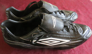 Mens Umbro Soccer Cleats Size 13