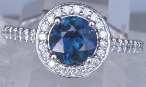 Beautiful Sapphire Engagement Ring - New - Size 7 - Never worn