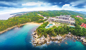 On-site Amenities & Direct Beach Access in Huatulco