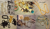 BAG OF BEADS & JEWELLERY + STAND!