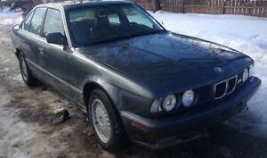1989 BMW 525I M series(Located in St.Lazare MB)
