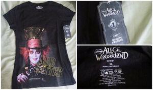 Disney's/ Tim Burton's Alice in Wonderland T-Shirt Plus Keychain