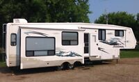 35' JAYCO TOP OF THE LINE DESIGNER 5TH WHEEL TRAILER