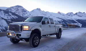 Studded and deleted 2006 Ford F350 Full load lariat Pickup Truck