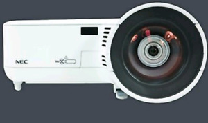NEC PROJECTOR MODEL# NP610 S