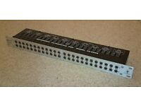 Behringer Ultrapatch px2000 Patch Bay