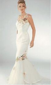 Beautiful Designer Fairytale Tulle Fitted Fishtale Wedding Dress - Size 8