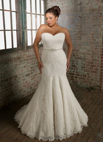 Top 10 plus size wedding dresses ebay mermaid style wedding gowns are usually not ideal for plus size bodies but tall ladies with curves can wear this style with confidence junglespirit Choice Image