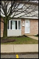 Excellent 3 Bedroom Townhouse in White Oaks!
