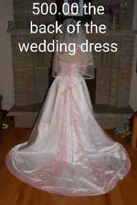 Selling wedding items