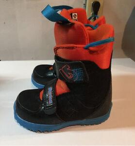 Kids Snowboard Boots - Burton Mini Grom Kitchener / Waterloo Kitchener Area image 2