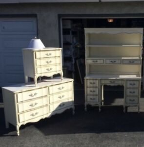 Vintage 3 Piece Bedroom Set