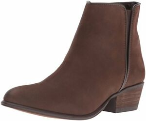 ankle boots 9.5 brand new in the box