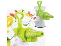 New La Vida Verde Plastic and Stainless Steel Multi Juicer