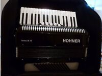 Hohner Bravo 72 bass piano accordion, excellent condition, with straps and padded case