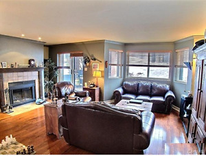 2Rooms, 2parkings, 2Terraces,  laundry room. Motivated Seller