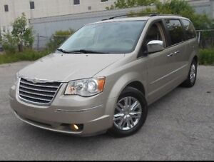 2008 Town&Country Low Kms /  3M Warranty included