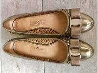 Beautiful Ferragamo Shoes Gold Size 4.5 (37)