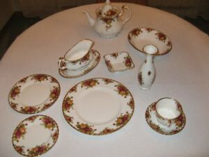 6 Couverts Royal Albert Old Country Roses en porcelaine