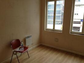 Office Room 120GBP PER WEEK EC3N1BD opposite Aldgate Station