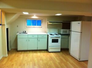 2 Bedroom Lower Apartment Close to Downtown on Cartwright! London Ontario image 3