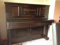 Piano, upright.
