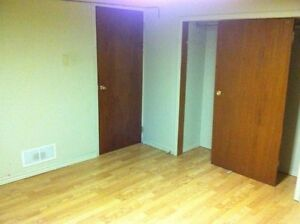 2 Bedroom Lower Apartment Close to Downtown on Cartwright! London Ontario image 4