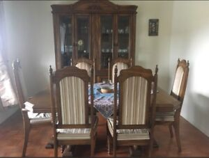 Oakwood dining table and 6 chairs with buffet and hutch