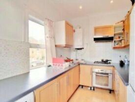 Beautiful spacious 2.5 bedroom in little ealing road