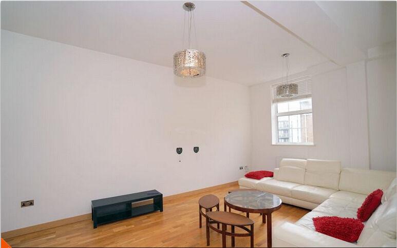 2 Bedroom 1st Floor Flat in Longbridge Road,Dagenham RM8 2FF