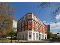 Luxury spacious 2 bedroom apartment in the desirable development located in Clerkenwell EC1V