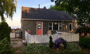 Gorgeous Lakefront cottage - $285/night- 2 night minimum
