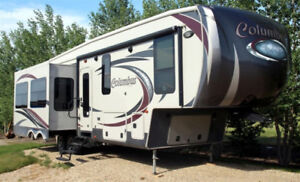 Estate Sale - 2014 Palomino 320RS Fifth Wheel, 37ft