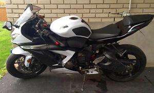 Kawasaki Zx6r 2013 blanche et noire