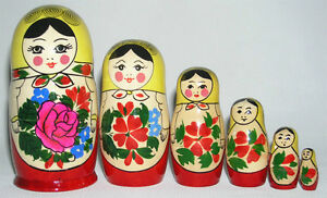 LOOKING FOR NESTING DOLLS!  Stacking / Matryoshka