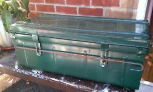 Coffre Industriel Antique / Vintage Industrial Trunk